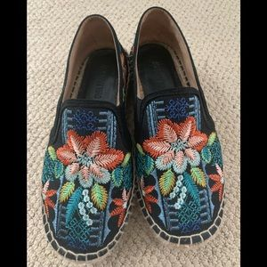 Johnny was embroidered espadrilles